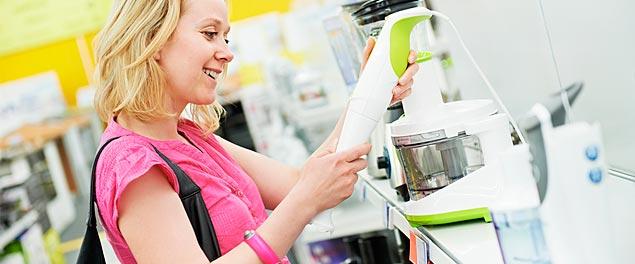 Pige i hvidevare butik